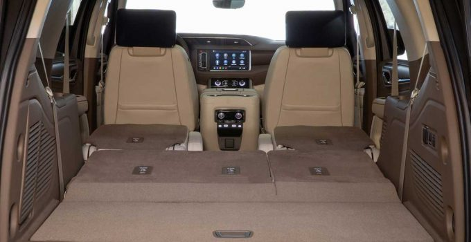 2021 Land Rover Discovery Cargo Space, 7 Seater, Curb Weight