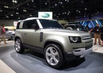 2022 Land Rover Discovery Cargo Space, 7 Seater, Curb Weight